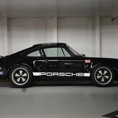 It's almost like this parking spot was made for the Black #911iroc #rswerks #911outlaw #Luftgekühlt