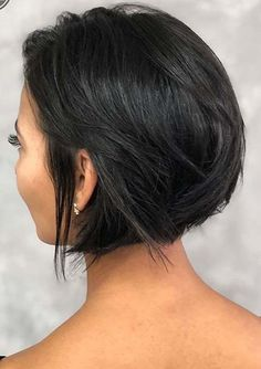 Just visit here and use to wear stunning styles of short haircuts in year 2020. You have to know that this amazing short haircut is really fantastic option for fashionable girls to enhance their beauty right now. Also, there are so many famous female celebs are wearing this best short haircut in 2020. Hairstyles Haircuts, Braided Hairstyles, Cool Hairstyles, Office Hairstyles, Anime Hairstyles, Hairstyles Videos, Hairstyle Short, Hair Updo, Bob Haircuts