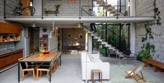 Industrial Maracanã House in Sao Paulo - Feel Desain Industrial Interiors, Industrial Loft, Inside Out, Patio, Beautiful Homes, Architecture Design, Indoor, Interior Design, Outdoor Decor