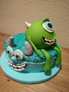 Tarta fondant - Monsters Inc - Monstruos sa - Mike y Sully