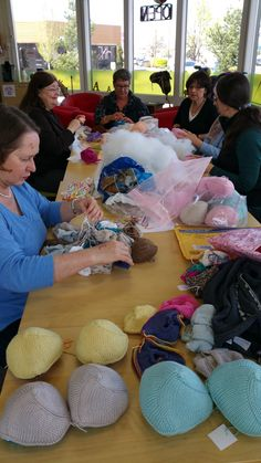 apple yarns. knitted knocker tutorial \u2013 apple yarns - knitting yarn online | my favorite blogs pinterest yarns, tutorials and crochet