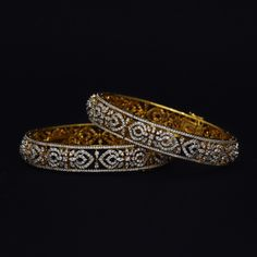 Looking for gold and diamond jewellery? Vummidi has the best collection of diamond rings, diamond earrings and gold jewellery, handcrafted to perfection. Plain Gold Bangles, Gold Bangles Design, Diamond Necklace Set, Diamond Bangle, Diamond Jewelry, Silver Jewelry, Jewelry Design Earrings, Craft Jewelry, Bellisima