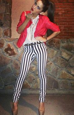 Striped  pants Trendy Outfits, Cool Outfits, Summer Outfits, Cali Style, My Style, Looking Stunning, Striped Pants, Dress Me Up, Photography Poses