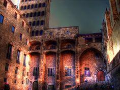 Plaça del Rei. Durante la Edad Media se encontraba la prisión, el patíbulo y la hoguera.