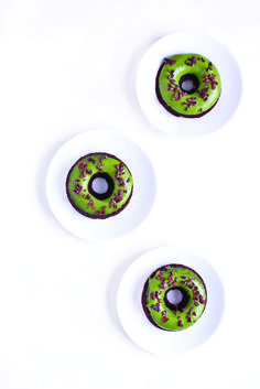 Gluten free and vegan maple matcha donuts from Clean Food Dirty City.