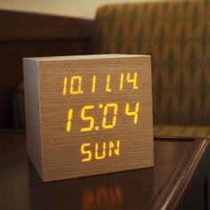 [무아스] 친환경 LED 나무 알람시계 정사각형 탁상시계인테리어소품
