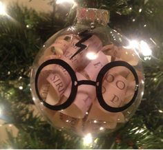 19 harry potter ornaments for an amazingly nerdy christmas tree. Harry Potter Fiesta, Décoration Harry Potter, Harry Potter Birthday, Disney Ornaments, Diy Christmas Ornaments, Holiday Crafts, Christmas Holidays, Harry Potter Christmas Decorations, Harry Potter Christmas Tree