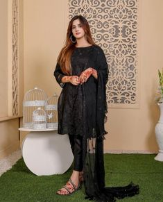 Wedding Dresses For Girls, Girls Dresses, Beautiful Pakistani Dresses, Makeup And Beauty Blog, Dance Choreography Videos, Pakistani Actress, Sexy Jeans, Girls Dpz, Girls Jeans