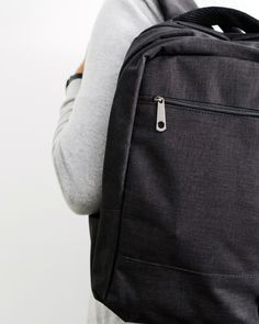 The perfect mix between practical and stylish. Black Linen, Traveling By Yourself, Minimalist, Backpacks, Stylish, Bags, Collection, Design, Fashion