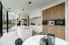Landelijke villa | Freja Home Styling Dancing, Interior Decorating, Sweet Home, Villa, Indoor, Contemporary, House Styles, Table, Furniture