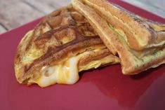 This quick and easy to make egg-fast-friendly Keto Grilled Cheese Mexi-Wafflewich with a hint of TexMex flavor is sure to become a favorite. Keto Grilled Cheese, Keto Cheese, Egg Diet Results, Corn Sandwich, Egg And Grapefruit Diet, Keto Egg Fast, Keto Waffle, Boiled Egg Diet, Keto Pancakes