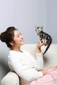 Park Se Young Park Se Young, Korean Beauty, Actors & Actresses, Korean Fashion, Asia, Animals, K Fashion, Animales, Animaux