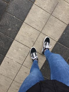 Pinterest: corneliussblack ♡ Leg Pictures, Girly Pictures, Trendy Outfits, Cool Outfits, New York City Vacation, Insta Snap, Vans Outfit, Girls Dp Stylish, Hidden Face