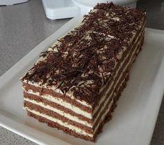 Kakaový medovník s vláčným těstem připravený tak jak ho neznáte! Hungarian Desserts, Hungarian Cake, Hungarian Recipes, Creative Cakes, Creative Food, Sweet Recipes, Cake Recipes, Sweet Like Candy, Non Plus Ultra
