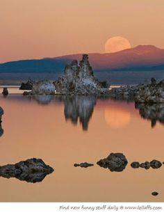 Mono Lake moonrise, Eastern Sierras, California