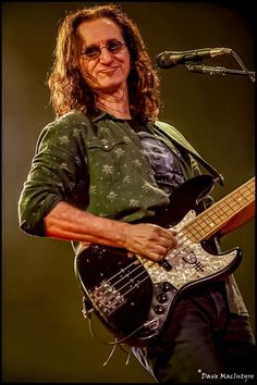 Yup, was there. Geddy Lee of Rush October 2012 - Air Canada Centre, Toronto Shot for Lithium Magazine Great Bands, Cool Bands, Rush Concert, Rush Band, Alex Lifeson, Geddy Lee, Neil Peart, Greatest Rock Bands, Armada