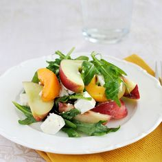 Nectarine Salad with Arugula and Goat Cheese - perfect as warmer weather approaches!  #nectarinesalad #arugula