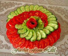 Vegetable Decoration, Food Decoration, Raw Food Recipes, Appetizer Recipes, Appetizers, Food Design, Food Art For Kids, Crudite, Chicken Broccoli