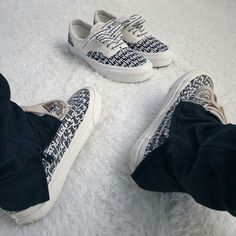 detailed look a2302 2368f Fear of god + vans