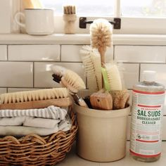 DIY Home Decor example 6395753939 - Simply sensational stylish arrangements and . DIY Home Decor e Zero Waste Store, Natural Brushes, Sustainable Living, Homemaking, Clean House, Biodegradable Products, Cleaning Supplies, Diy Home Decor, Sweet Home