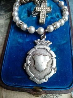Vintage Crown Fob antique style necklace, Royal themes, queen jewelry, king, prince, pearls and watch chain, up-cycled english silver plate, Vintage Metal, Vintage Silver, Vintage Items, Fashion Necklace, Fashion Jewelry, Royal Theme, Jewelry King, Alternative Style, Vintage Rhinestone