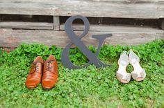 Ampersand sign for adorable wedding photos. Melinda Snyder Photography.