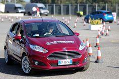 Al volante Le 10 cattive abitudini al volante dei giovani europei [multipage]  Un dato su tutti è sufficiente per dare la vastità del tema: gli incidenti stradali sono la prima causa #volante #alvolante #motori #inchieste #prove #automobilismo