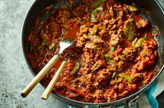 This Pinch of Nom Cuban beef recipe can be cooked on the hob or in your slow cooker and it's sure to become a new family favourite… Slow Cooker Recipes, Cooking Recipes, Healthy Recipes, Healthy Meals, Healthy Food, Oven Recipes, Slow Cooking, Recipies