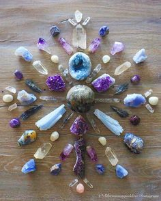Crystal Magic, Crystal Grid, Crystal Healing, Crystal Mandala, Crystal Flower, Crystals And Gemstones, Stones And Crystals, Art Of Beauty, Beautiful Rocks