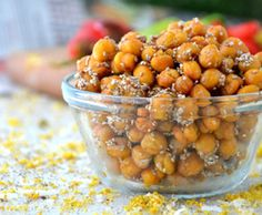 These  Peppered Chia Roasted Chickpeas are made from five simple ingredients, most of which you probably already have in your kitchen. #cleaneating #chickpeas #chiaseeds