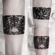 Fantastic tiger bracelet #SouTattooer