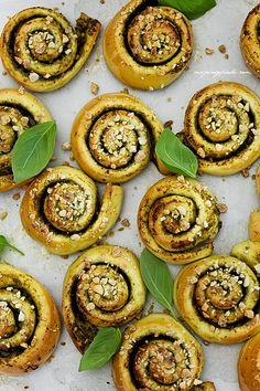 Pesto Bread Rolls Recipe
