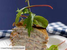 Recette Gâteau de crêpes salées. Ingrédients (4 personnes) : 13 crêpes salées, 150 g de pavé de saumon, 10 crevettes roses cuites... - Découvrez toutes nos idées de repas et recettes sur Cuisine Actuelle Waffles, Pancakes, Crepe Cake, Mille Crepe, Savoury Cake, Soul Food, Finger Foods, Entrees, Crisp