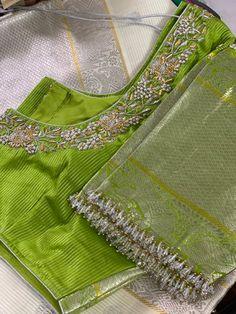 Wedding Saree Blouse Designs, Silk Saree Blouse Designs, Blouse Designs Silk, Bridal Wedding Dresses, Saree Wedding, Handloom Saree, Silk Sarees, Fancy Kurti, Blouse Outfit