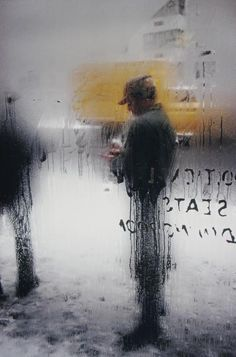 """Snow"" (1960) by Saul Leiter ::: #Photo #Photography #Art #StreetPhotography #Street #City"
