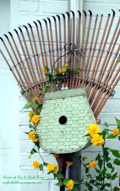 Birdhouse Rake http://ourfairfieldhomeandgarden.com/diy-project-repurposed-rakes/