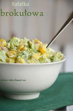 Składniki - 2 brokuły - 1 ser feta w kostce (200 g) - 0… na Stylowi.pl Salad Recipes, Diet Recipes, Vegetarian Recipes, Cooking Recipes, Healthy Recipes, Healthy Dishes, Healthy Eating, Broccoli Salad, Side Salad
