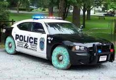 Mail a doughnut to the police officers .