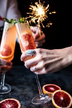 Blood Orange Champagne Mule…so basically a Moscow Mule with the addition of ch… – Recipes Cointreau Cocktail, Champagne Cocktail, Cocktail Drinks, Fun Drinks, Yummy Drinks, Alcoholic Drinks, Beverages, Champagne Punch Recipes, Cocktail Recipes