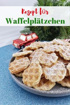 Knusper – Waffelplätzchen – Unsere Lieblingsplätzchen – SIMPLYLOVELYCHAOS Waffle cookies from the waffle iron. Crunchy waffle biscuits that stay fresh for a long time. Sugar Cookie Recipe Easy, Easy Sugar Cookies, Drop Cookies, Waffle Biscuits, Waffle Cookies, Pumpkin Recipes, Pie Recipes, Cookie Recipes, Christmas Food Gifts