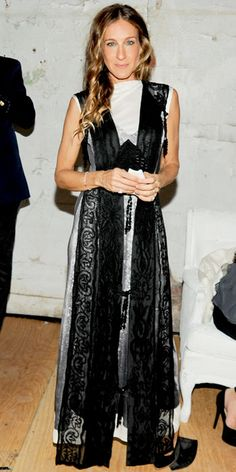 David Yurman pinky rings are still going strong! Flashback! Look of the Day - October 24, 2012 - Sarah Jessica Parker in David Yurman from #InStyle