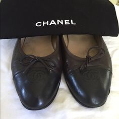 Authentic CHANEL Brown & Black Ballerina Flats 100% Authentic Chanel Brown and Black Ballerina flats. These have been worn and show signs of wear. There are slight barely visible scratches and tear as shown in the photos above. Amazing comfortable shoes that no one can go wrong with. Euro size 40. However meant to fit a size 9 women's. CHANEL Shoes Flats & Loafers