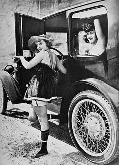 Phyllis Haver and Marie Prevost, 1920's. ☀