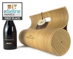 Wow, this is a STUNNING wine gift box -- worthy of that extra-special bottle!