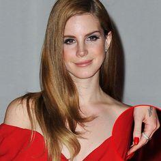 lana del rey   Lana Del Rey's Hair and Makeup at the 2012 Brit Awards
