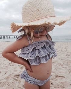 25 Trendy Baby Outfits Photography Little Girls Baby Outfits, Toddler Outfits, Summer Outfits, Baby Girl Fashion, Toddler Fashion, Kids Fashion, Fashion Fashion, Latest Fashion, Fashion Outfits