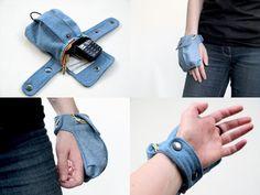 Cargo Wrist Wallet sewing pattern by TutorialGirl on Etsy