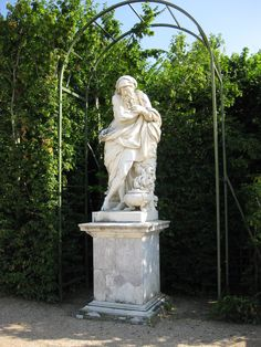 319 Versailles, Le Parc, Statue