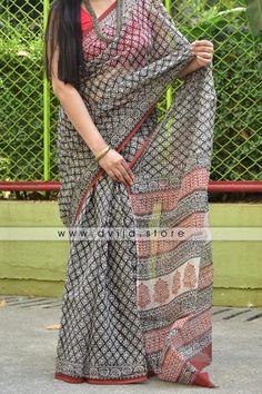 Buy Products| www.dvija.store Cotton Saree Blouse Designs, Saree Kuchu Designs, Blouse Patterns, Trendy Sarees, Stylish Sarees, Fancy Sarees, Sambalpuri Saree, Organza Saree, Handloom Saree