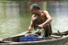 """Perché aspettare per avere i piaceri della vita? Un racconto semplice semplice, ma decisamente illuminante. Sapremmo metterlo in pratica? Io temo di no... Leggetelo e poi ne riparliamo se volete :)  """"Sul molo di un piccolo villaggio messicano, un turista americano si ferma e si avvicina ad una piccola imbarcazione di un pescatore del posto.  Si complimenta con il pescatore per la qualità del pesce e gli chiede quanto tempo avesse impiegato per pescarlo. [...]""""  #saggezza, #godersilavita,"""